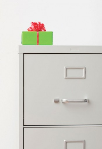 The etiquette of exchanging gifts with coworkers