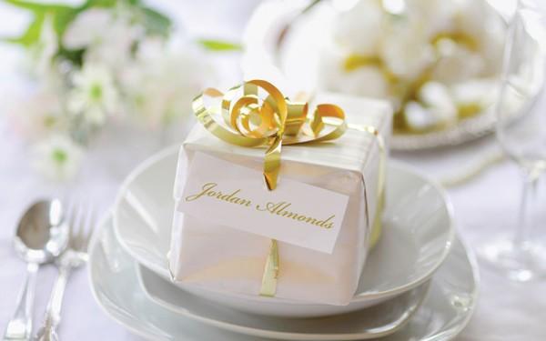 Weddings | The story behind Jordan almonds | Newspaper | Kent, OH